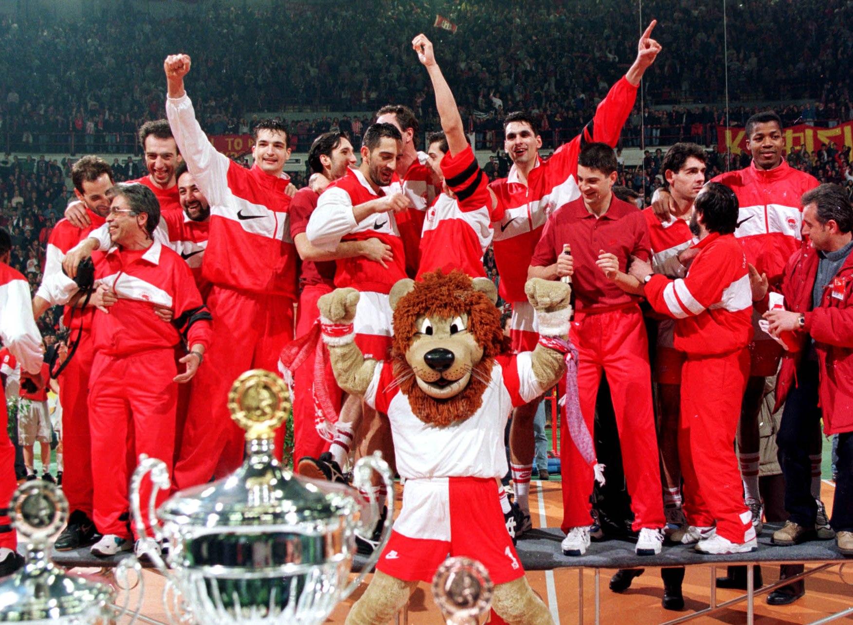 Σαν σήμερα το 1996 γιόρτασε τα γενέθλιά του με το Κύπελλο Κυπελλούχων